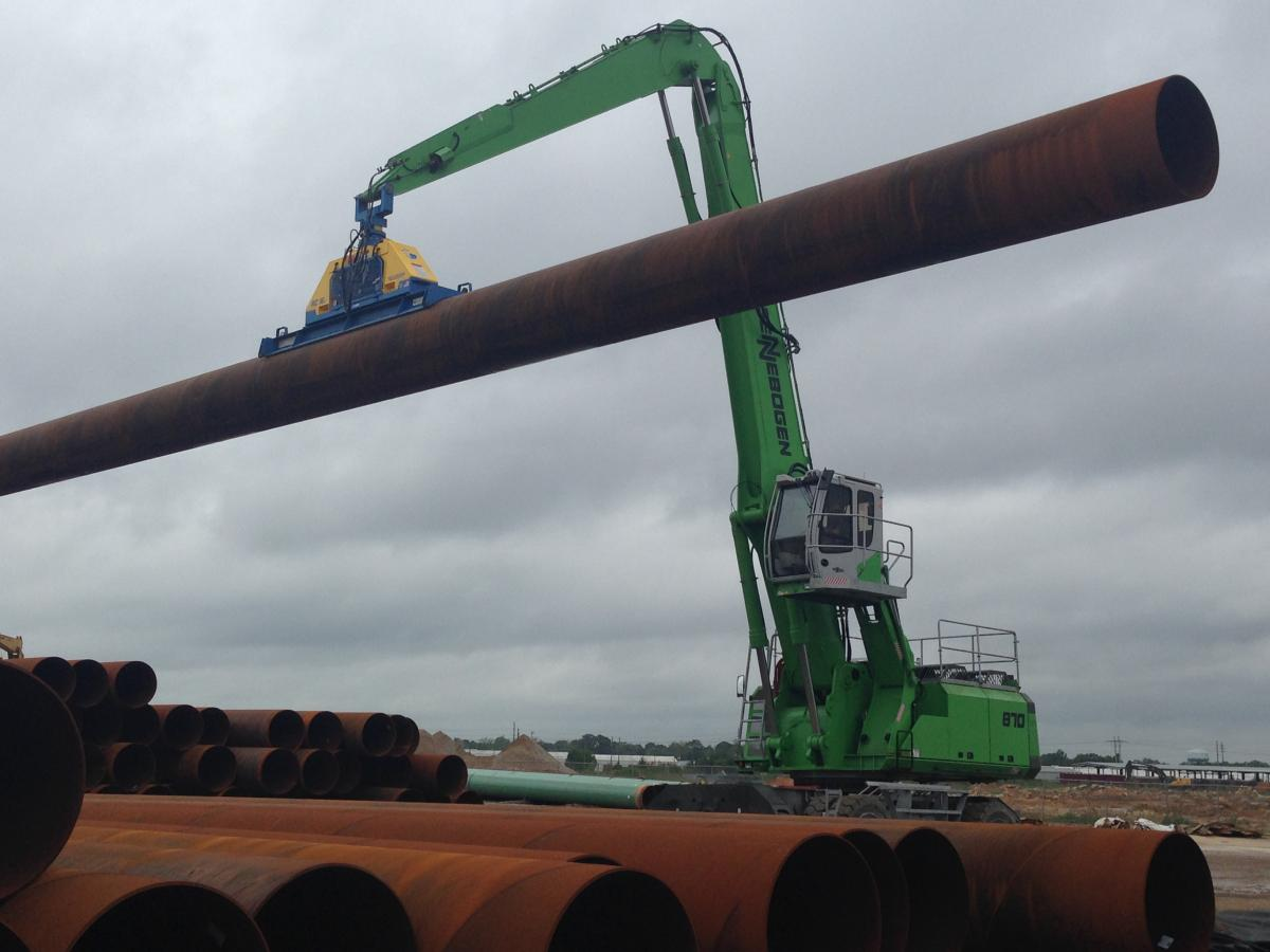 Berg Pipe Yard Steps Up To SENNEBOGEN 870 M For Sure, Heavy Lifting