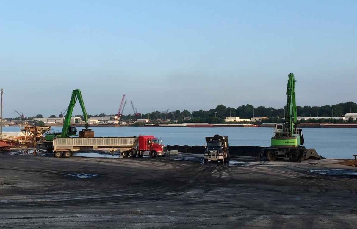 SENNEBOGEN Material Handler Duo Keeps Production Neat and Tidy at Busy Ohio River Terminal