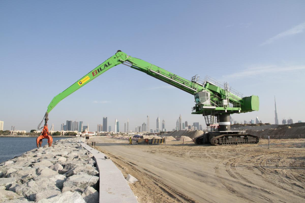 """Dubai Sea Wall Project Takes """"Balanced"""" Approach To Land Reclamation With SENNEBOGEN 880 EQ"""