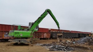825 loading railcars in Texas