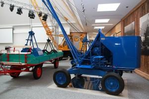 The earliest SENNEBOGEN machines on display.