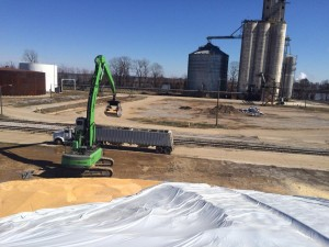 Stock piles of 40+ feet high are possible with the long reach.