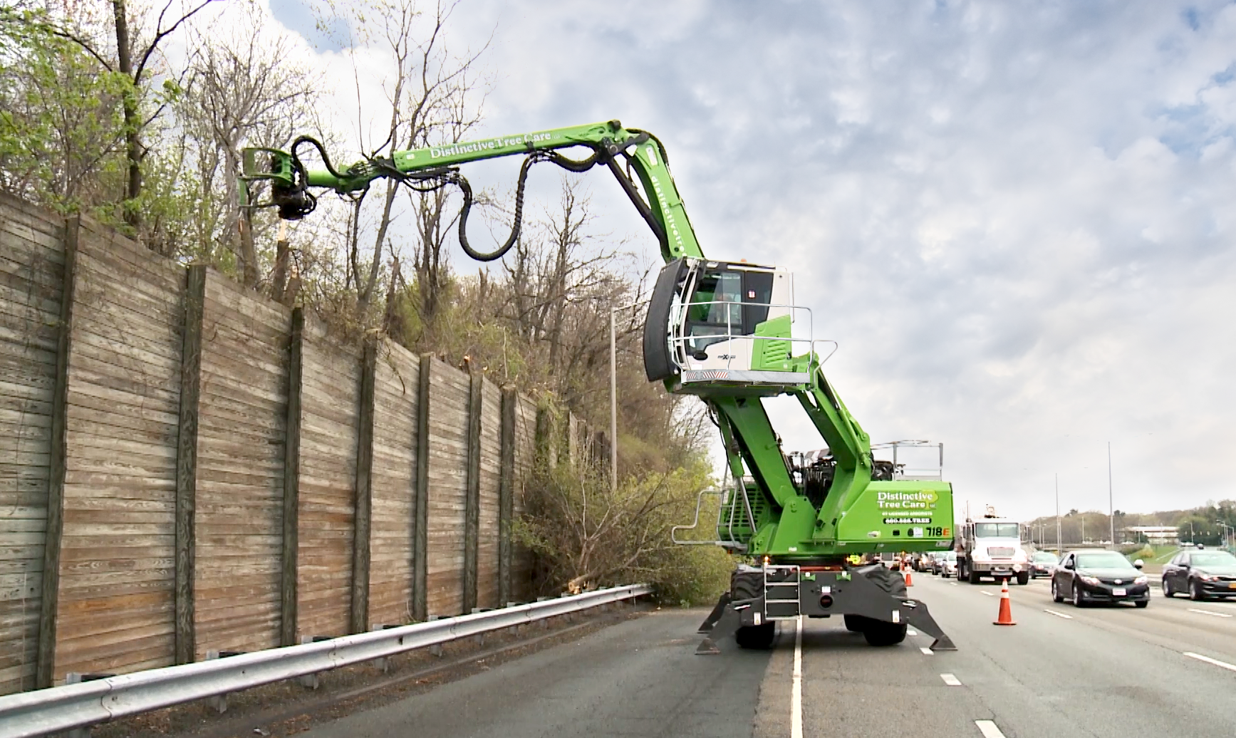 """Productivity Gains With SENNEBOGEN 718 Are """"No Joke"""" In Urban Tree-Trimming Projects"""