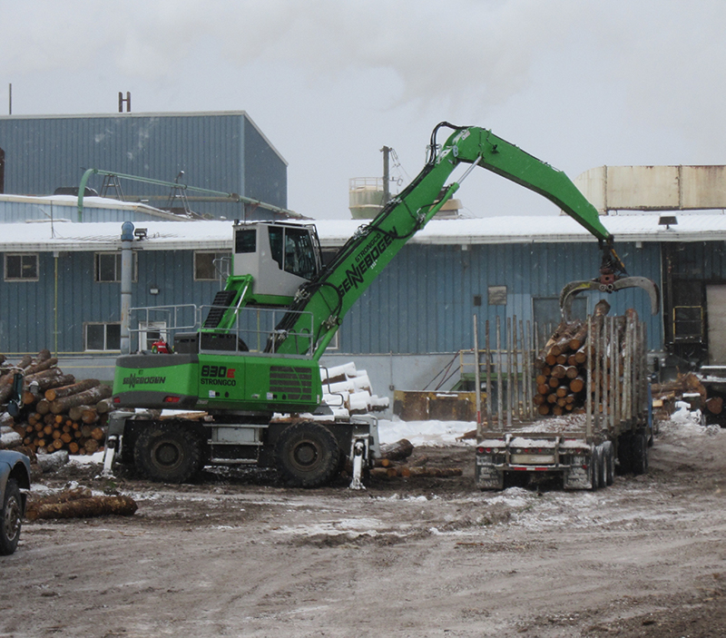 """SENNEBOGEN 830 M-T: """"More Than The Sum Of Its Parts"""" At PlasterRock Lumber Mill"""