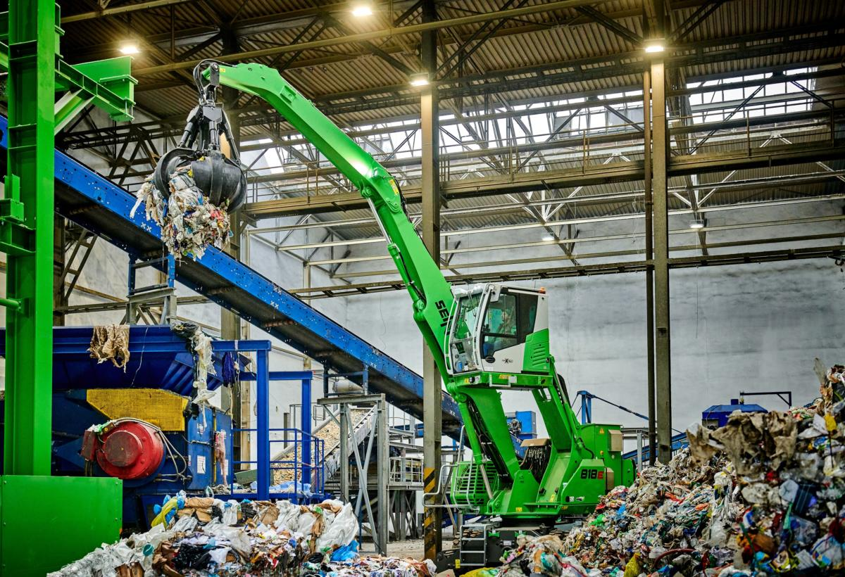 "Recycling Specialist OZO Is ""Thinking Green"" In Every Way With Electric Drive SENNEBOGEN 818"