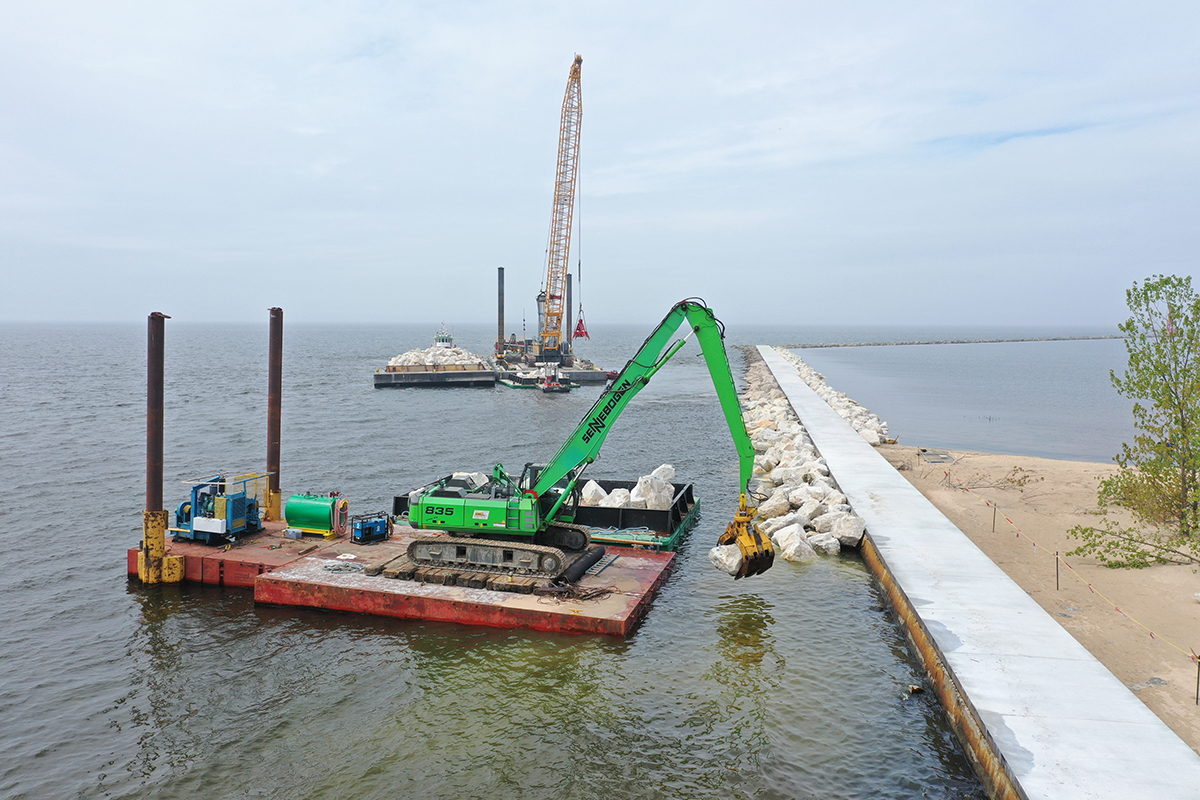 SENNEBOGEN Material Handlers Keep Dredging Operations on a Solid Footing at Great Lakes Dock & Material